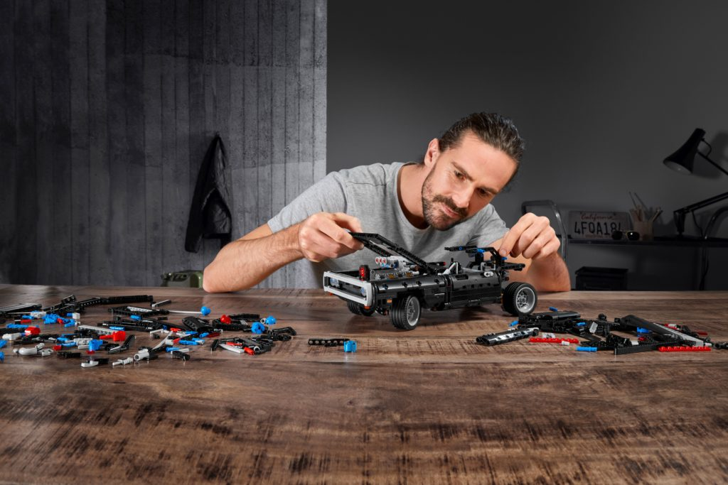 LEGO Technic Modellbausatz Doms Dodge Charger